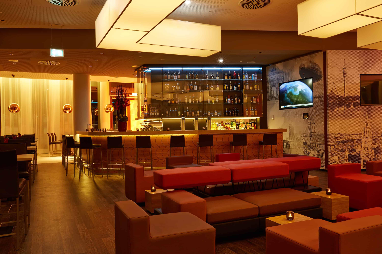 h-hotels_bar-02-h4-hotel-muenchen-messe_L (max. 3000px) _542e8b23