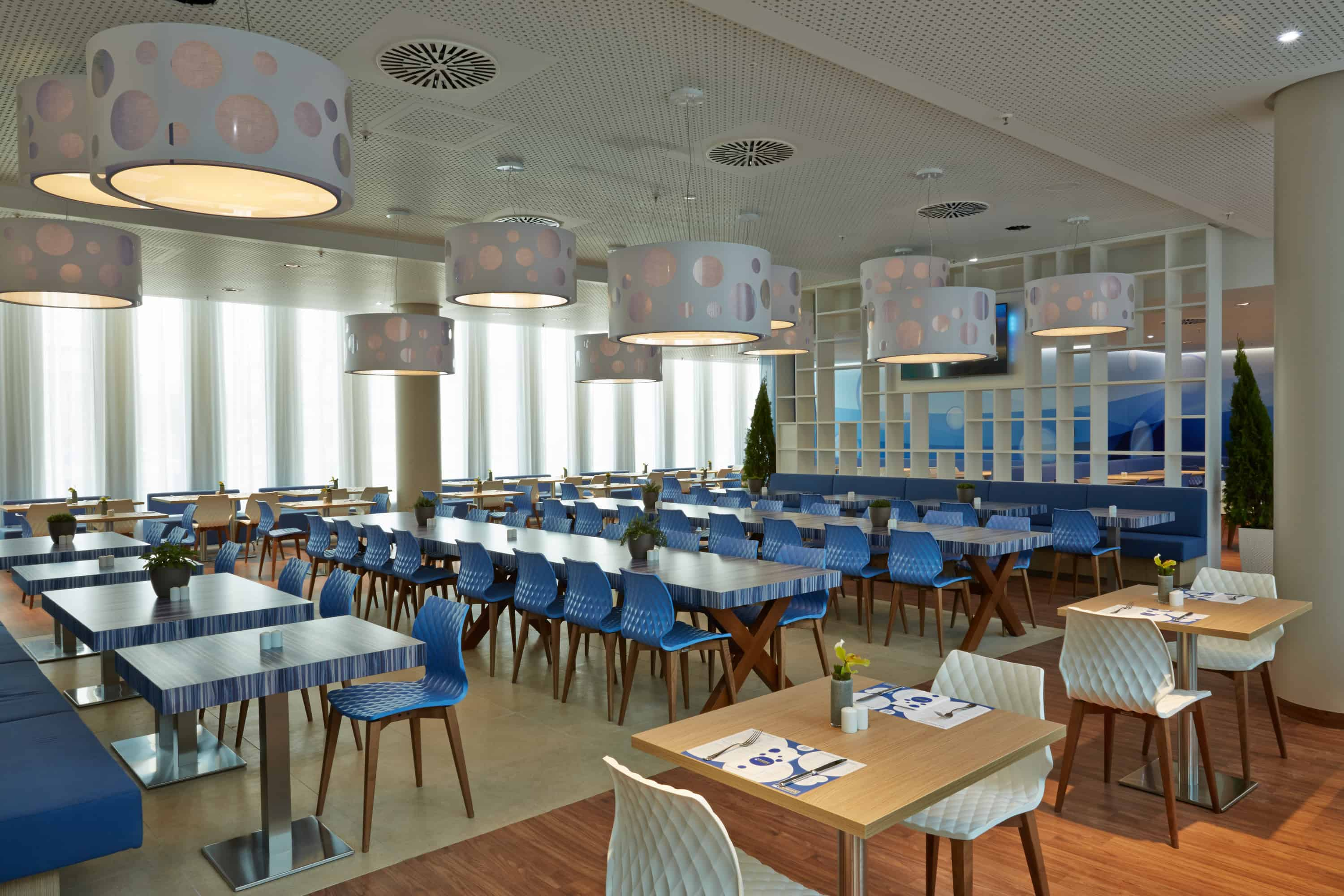 h-hotels_restaurant-01-h2-hotel-muenchen-messe_L (max. 3000px) _b4aa0e12