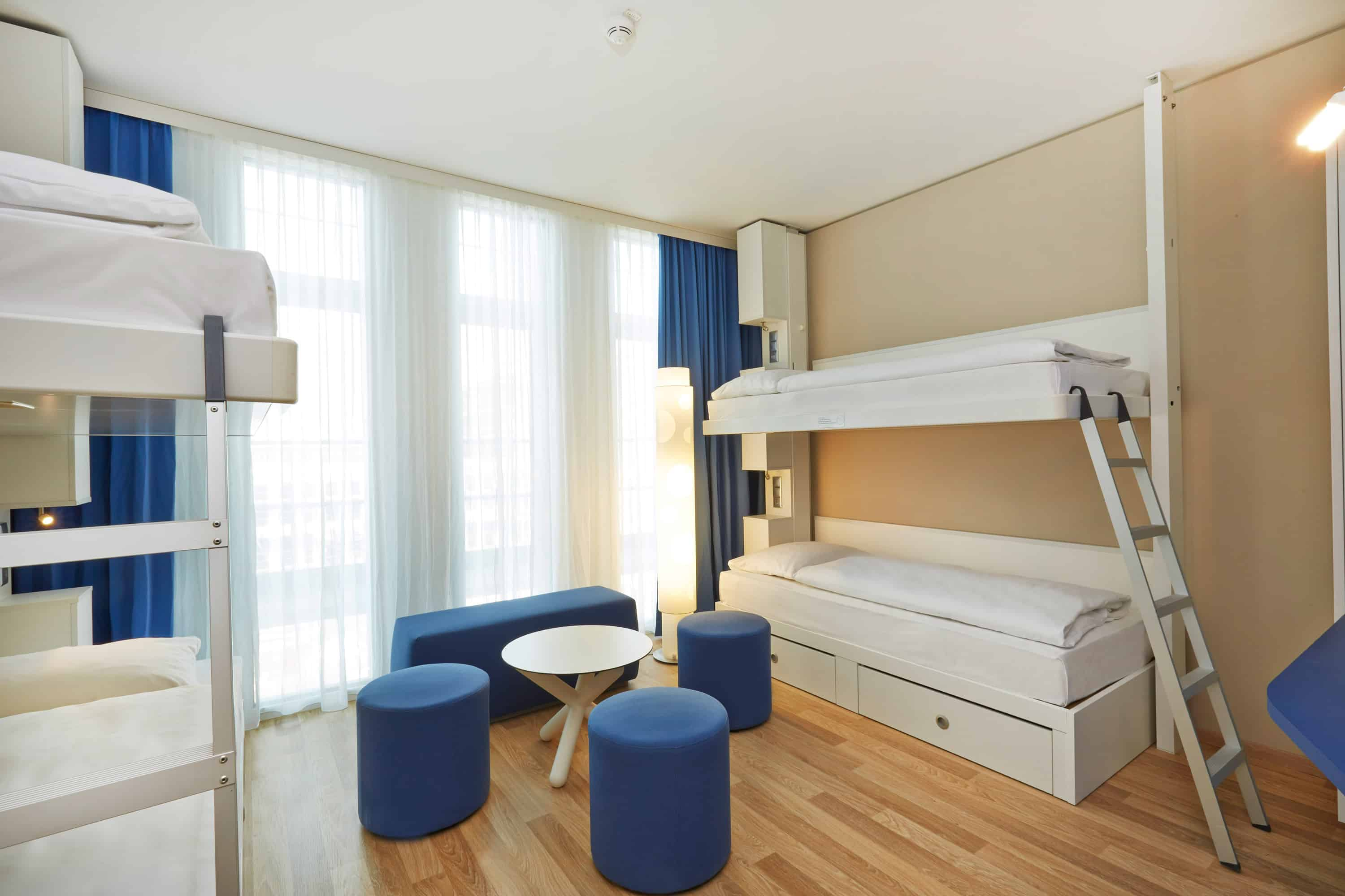 h-hotels_zimmer_vierbettzimmer_03_h2_hotel_muenchen_messe_L (max. 3000px) _ab67a9b8